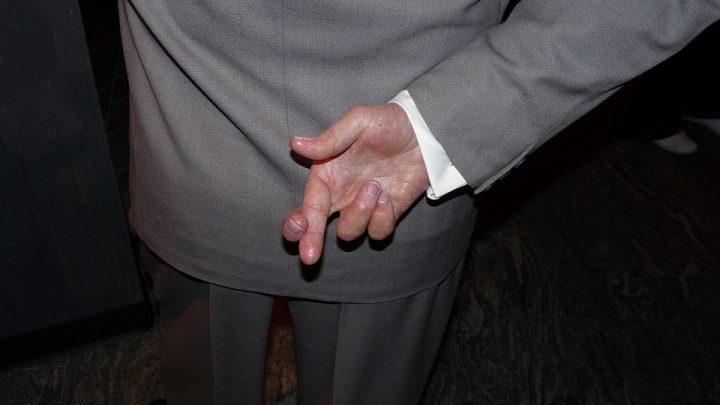 Crossed fingers