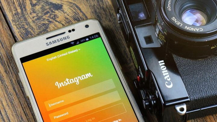 Instagram with shooting camera