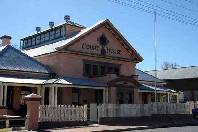 Tenterfield Local Court