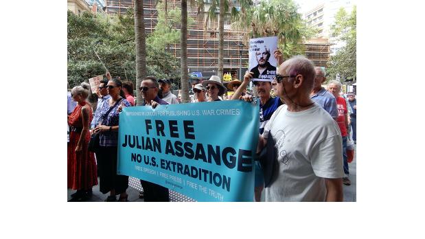 Greg Barns wants to free Assange
